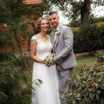 Brautpaar in Ankensen im Paarshooting mit den Hochzeitsfotografien aus Hannover